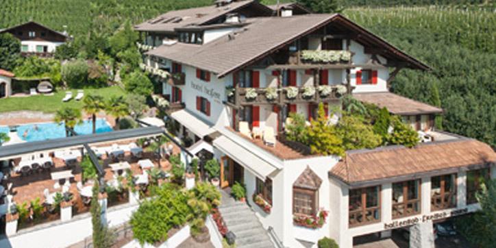 Hotel hofer dorf tirol for Design hotel dorf tirol