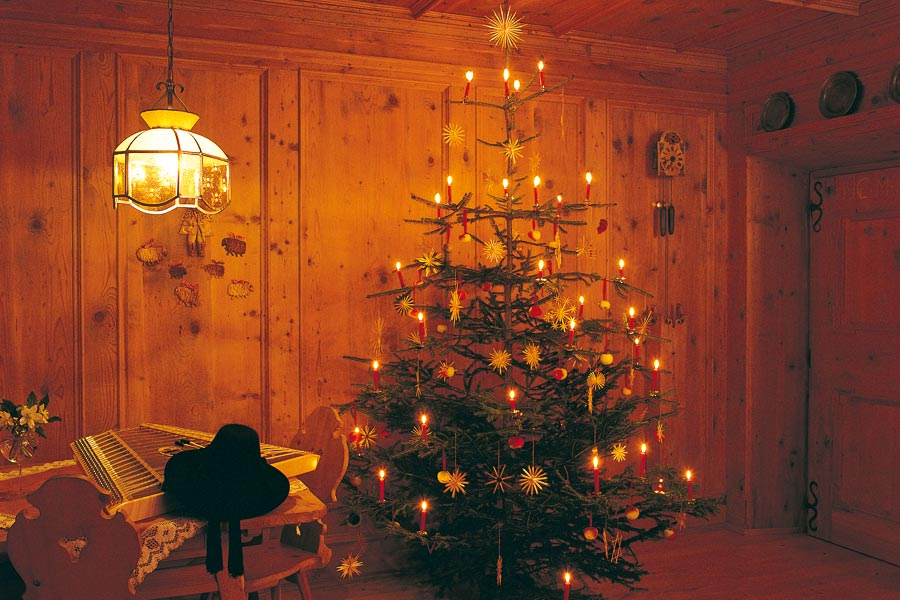 brauchtum zur adventszeit s dtirol der adventkranz. Black Bedroom Furniture Sets. Home Design Ideas